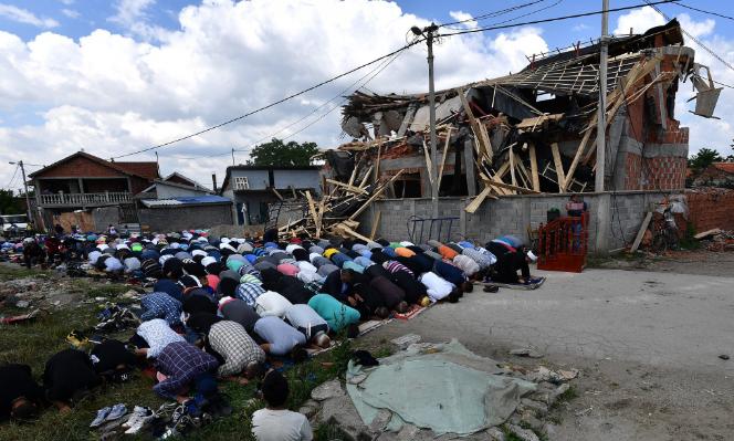 Cami'yi yıktılar İmanı yıkamadılar