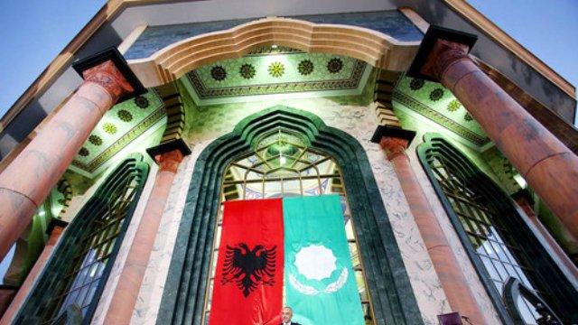 Günümüzde Balkanlarda Bektaşilik ve Arnavutlar.