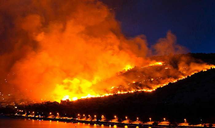 Hırvatistan Makarska'da Büyük Orman Yangını