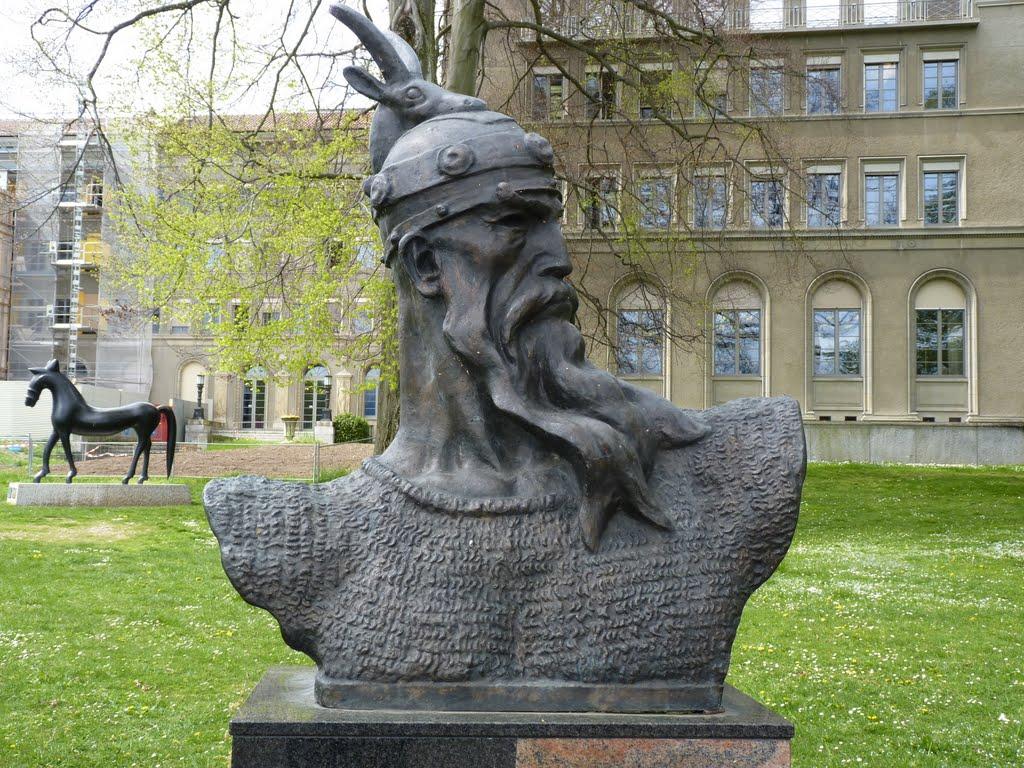 Macaristan'da yapılan İskenderbey heykeline tepki
