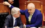 Arnavutluk hükümeti Türkiye Arnavutlarını Dışlıyor.