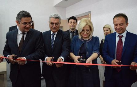 TİKA'dan Tiran Üniversitesine Katkı