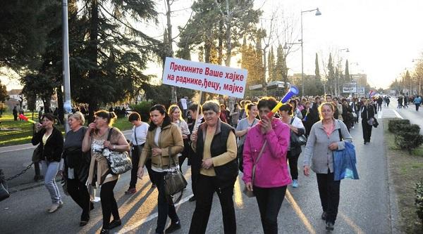 Karadağ'da Kadınlar İsyanda