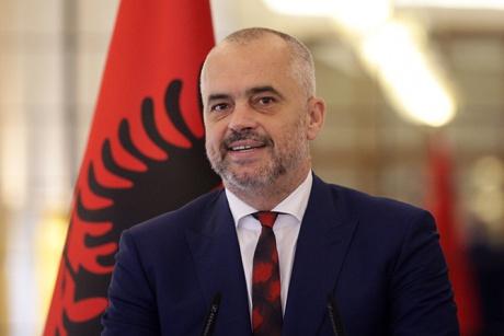 Arnavutluk'ta Sosyalist Parti tek başına iktidar.