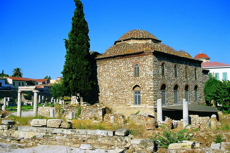 Atina'nın en eski camisi sergi salonu oldu.