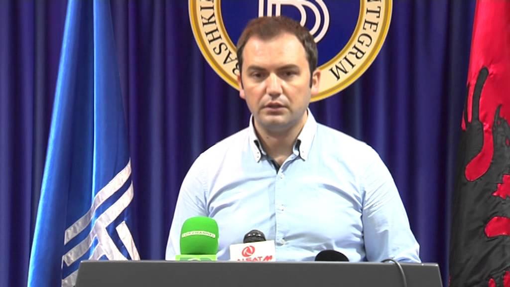 Makedonya'da Arnavutça'nın Eşit Resmiyeti