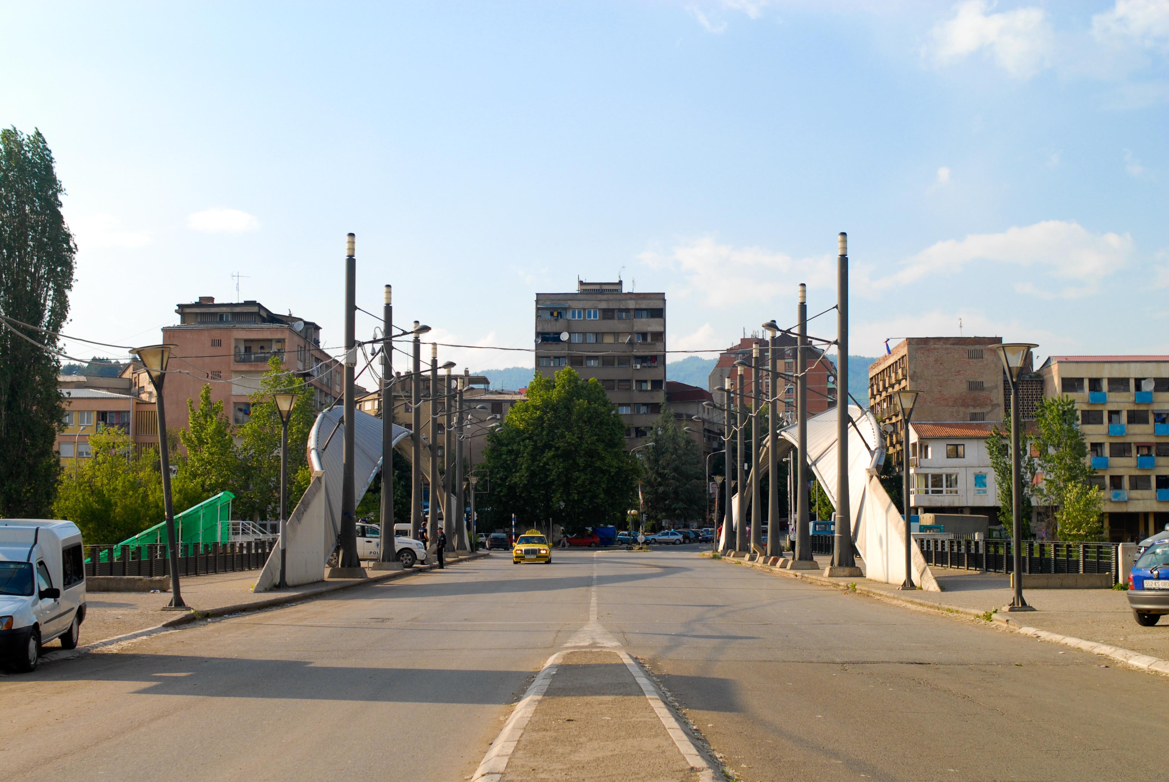 Kuzey Kosova Sırpları sokakta: 4 Sırp Belediye Belediye Başkanı istifa etti