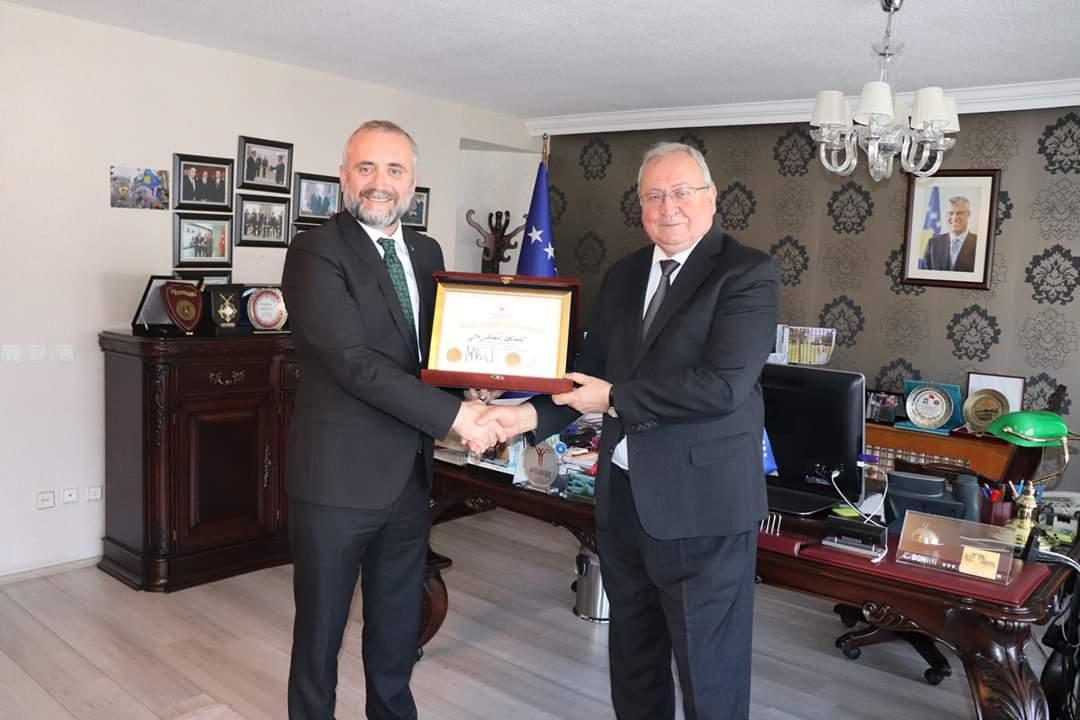 Cumhurbaşkanı Danışmanı Sabri Demir, Kosova Şeref Elçisi oldu.