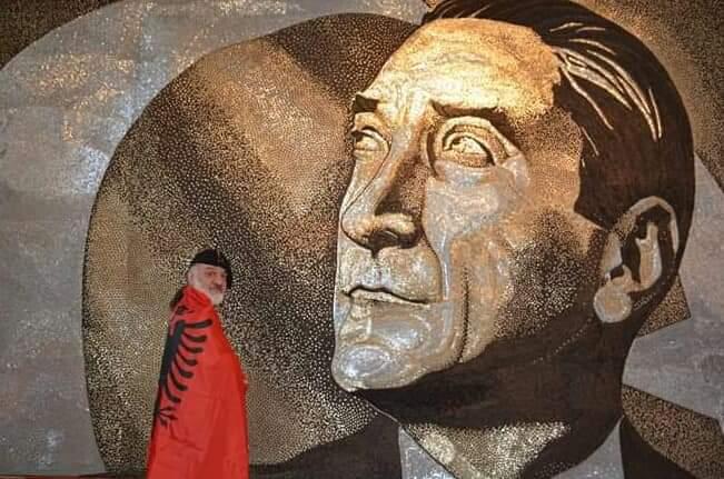 Saimir Strati Atatürk eseriyle Guiness Rekorlar kitabında