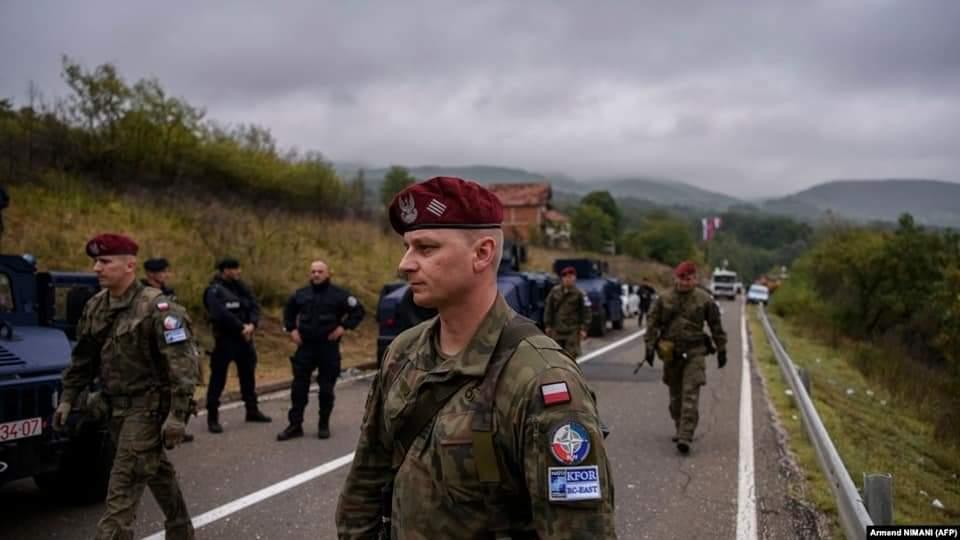 Sırplar Sınır kapılarını açmamak için provakasyonlara devam ediyor.